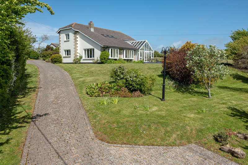 5 Bedrooms Detached House for sale in Wellow, Isle of Wight