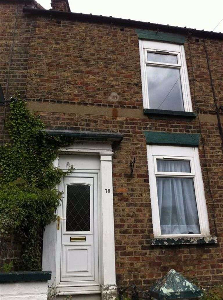 3 Bedrooms Terraced House for rent in