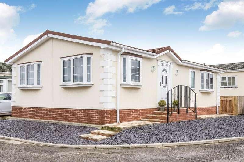 2 Bedrooms Park Home Mobile Home for sale in Greenacres Park, Spilsby Road, Horncastle, Lincs, LN9 6NJ