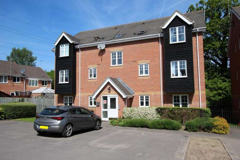 2 Bedrooms Flat for sale in Howell Close, Reading, RG2