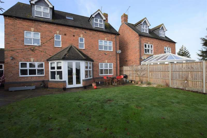 5 Bedrooms Detached House for sale in Stocking Leys, Burbage LE10
