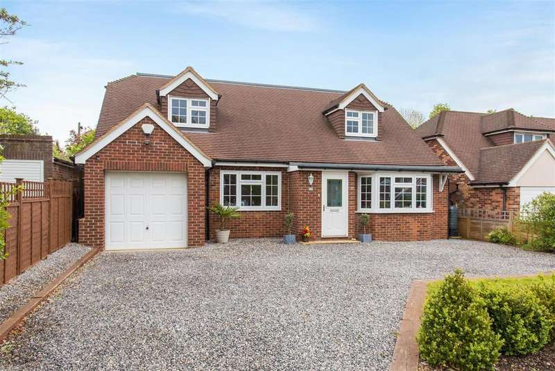 4 Bedrooms Chalet House for sale in Wilfrids Wood Close, Flackwell Heath