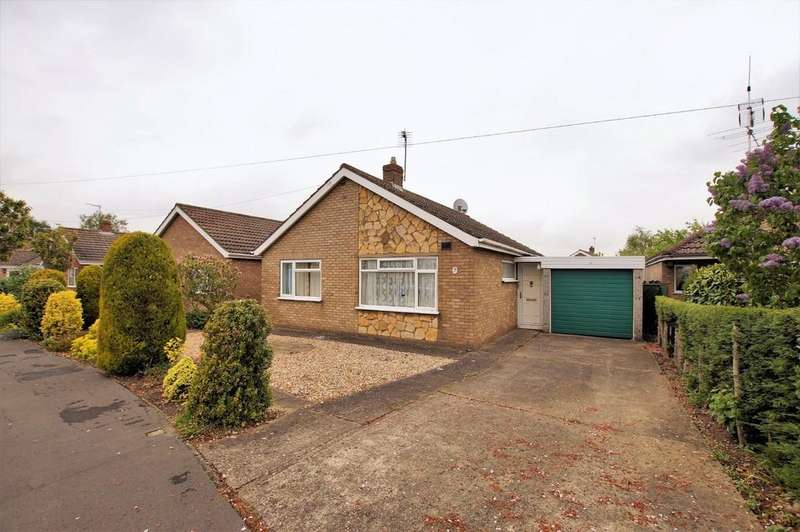 2 Bedrooms Detached Bungalow for sale in Medway Crescent, North Hykeham, Lincoln
