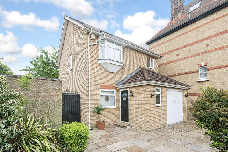 3 Bedrooms Detached House for sale in Ellery Road, Crystal Palace, SE19 (jh)