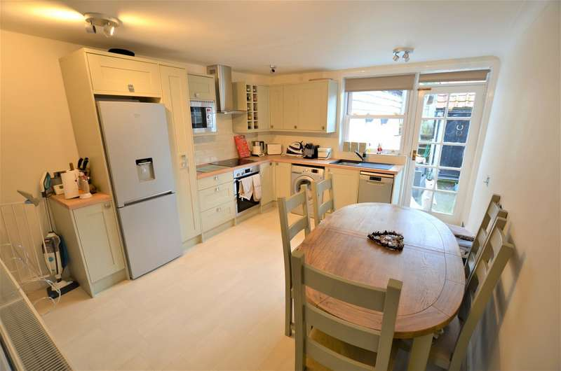 2 Bedrooms Terraced House for sale in Churchgate Street, Old Harlow CM17