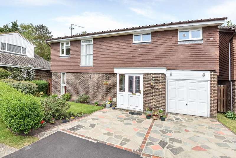 4 Bedrooms Detached House for sale in Quintilis, Bracknell, Berkshire, RG12