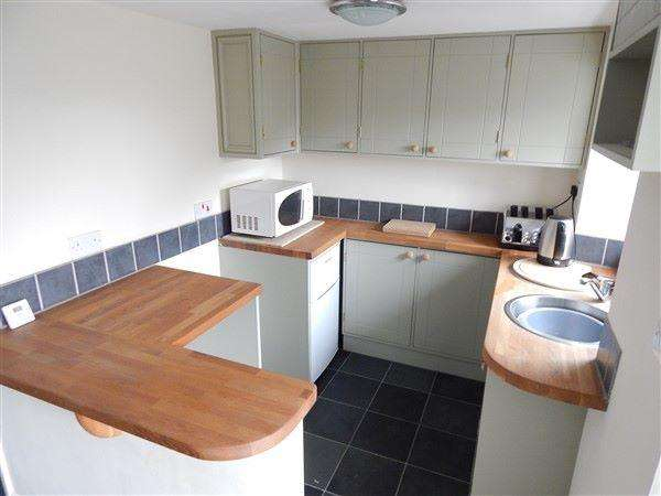 2 Bedrooms Terraced House for sale in Bryn Terrace, Six Bells, NP13 2QQ