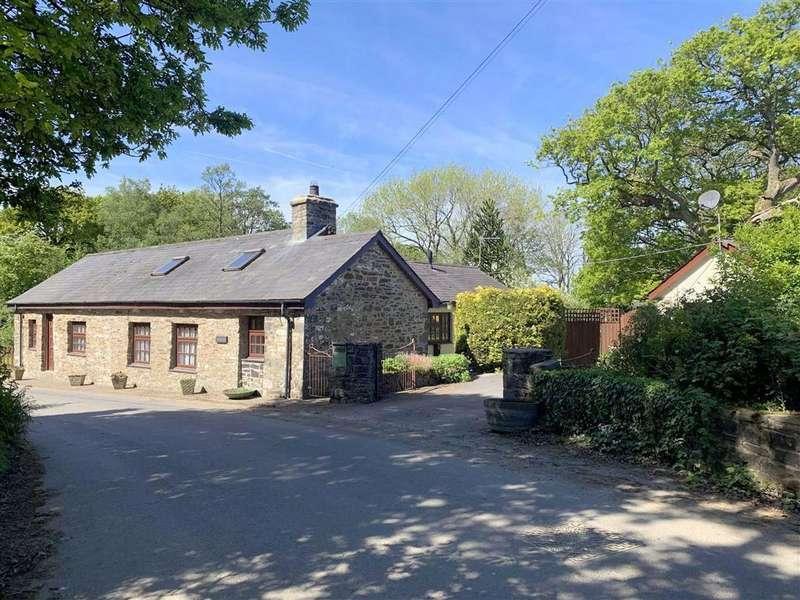 3 Bedrooms Detached House for sale in Oakford, Llanarth, Ceredigion