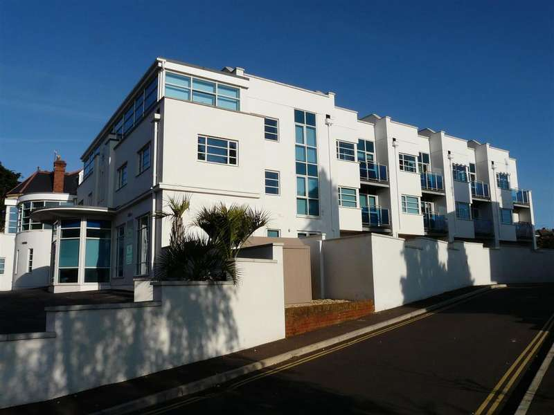 4 Bedrooms Terraced House for rent in St Leonards, Exeter