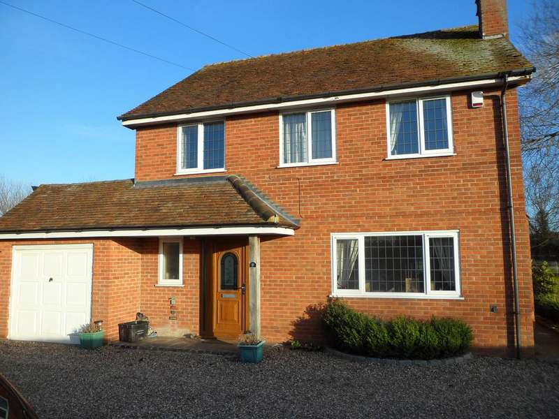 3 Bedrooms Detached House for rent in Diddenham Cottages, Lambwood Hill, Grazeley, Reading, RG7