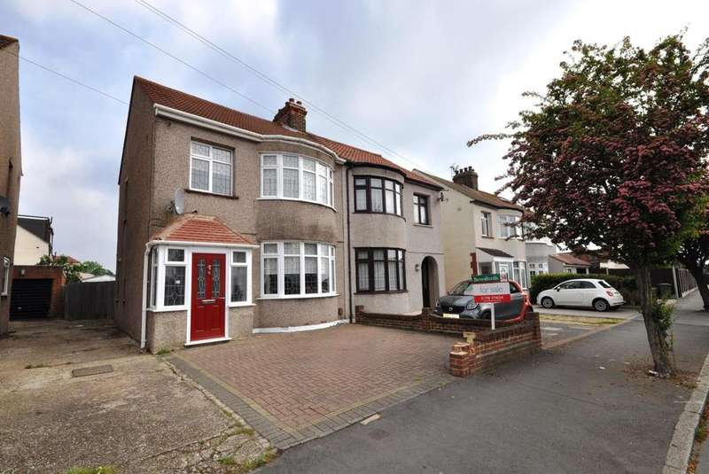 3 Bedrooms Semi Detached House for sale in Standen Avenue, Hornchurch, Essex, RM12