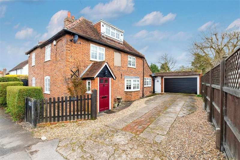 3 Bedrooms Semi Detached House for sale in Holyport Street, Holyport, Berkshire