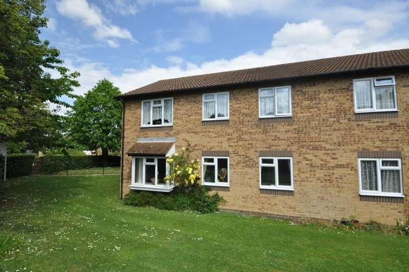 2 Bedrooms Flat for sale in Larks Meade, Earley, Reading, RG6 5TA