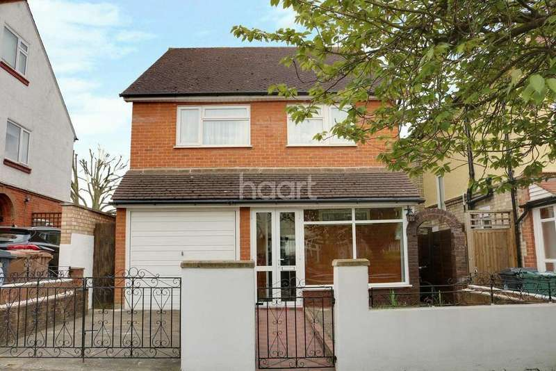 4 Bedrooms Detached House for sale in Malvern Avenue, Highams Park