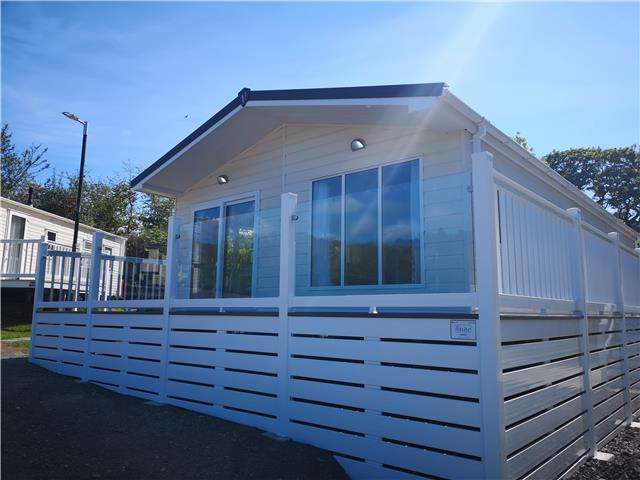 2 Bedrooms Lodge Character Property for sale in Brynowen Holiday Park Ceredigion