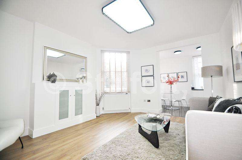 3 Bedrooms Apartment Flat for sale in Fieldway Crescent, London, N5