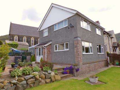 3 Bedrooms Detached House for sale in Station Road West, Penmaenmawr, Conwy, North Wales, LL34