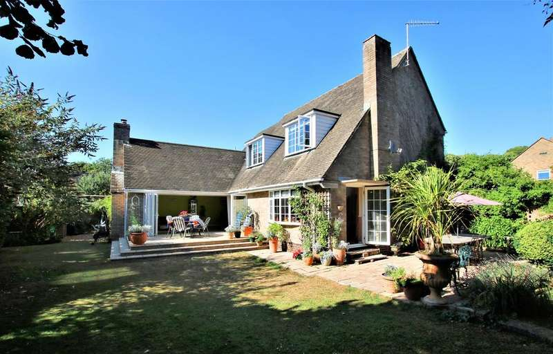 4 Bedrooms Detached House for sale in Manor Gardens, Ringwood, BH24