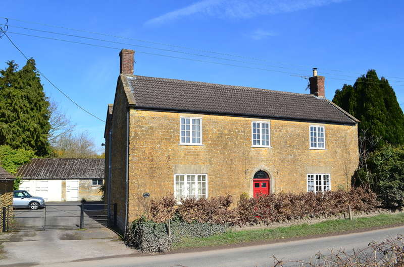 4 Bedrooms Property for sale in Castle Cary, Somerset, BA7