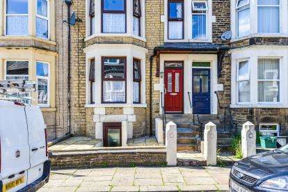 5 Bedrooms Terraced House for sale in Blades Street, Lancaster, Lancashire, LA1