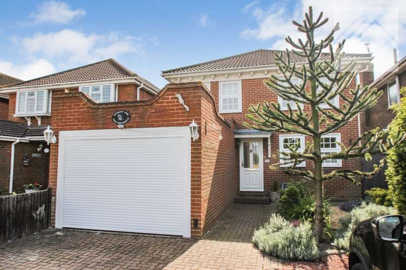 4 Bedrooms Detached House for sale in Mayland Avenue, Canvey Island