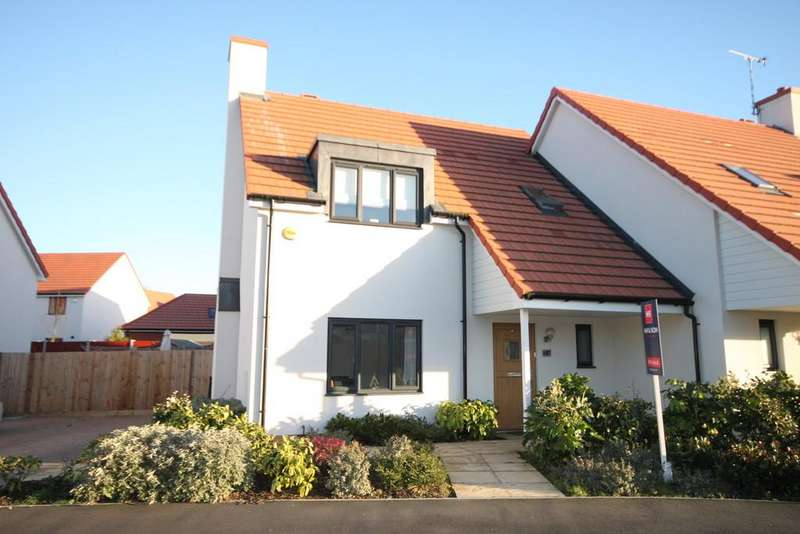 3 Bedrooms Semi Detached House for sale in Thornford Gardens, Southend-on-Sea