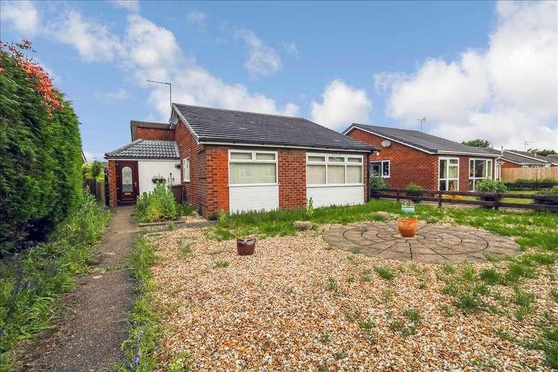 3 Bedrooms Bungalow for sale in Belvoir Close, Waddington, Lincoln
