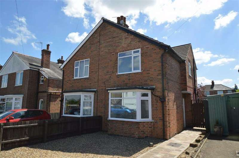 3 Bedrooms Semi Detached House for sale in Firfield Avenue, Bistall
