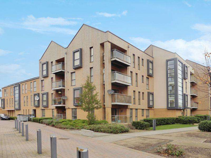 2 Bedrooms Apartment Flat for sale in Richmond Drive Houghton Regis LU5 5GD