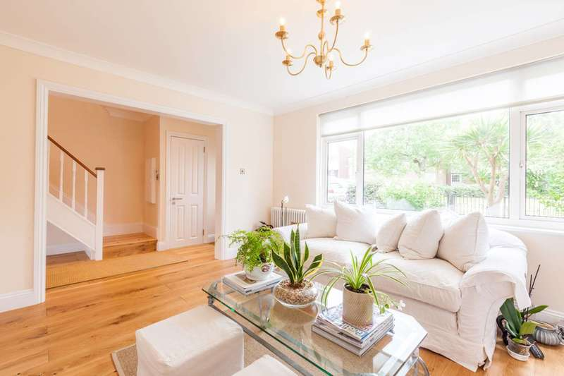3 Bedrooms Terraced House for sale in Vibart Gardens, Brixton Hill, SW2