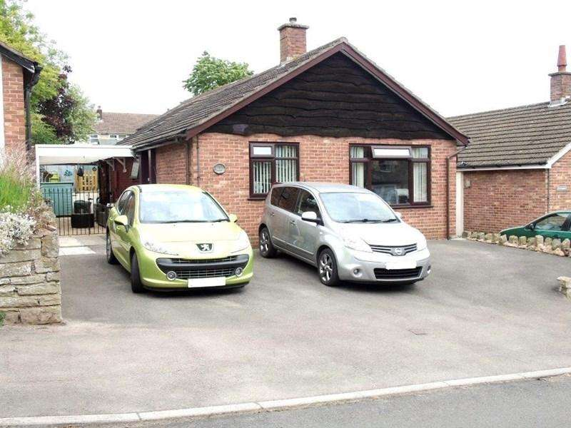 2 Bedrooms Detached Bungalow for sale in Mount Pleasant, Lydney