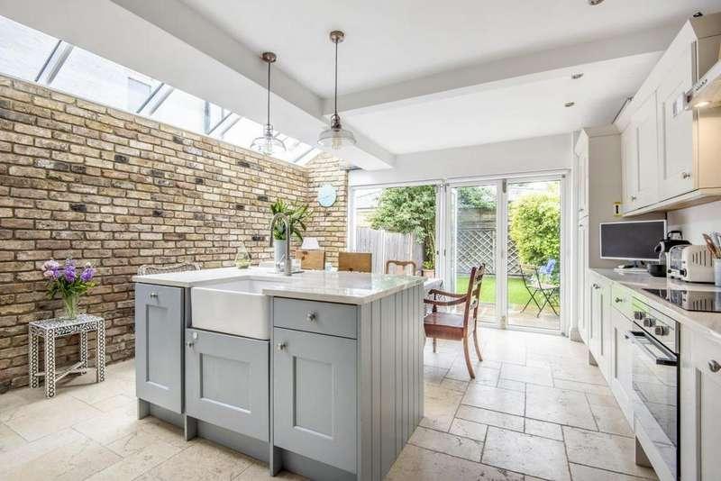 5 Bedrooms Terraced House for sale in Garratt Lane, Earlsfield