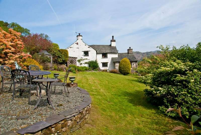 3 Bedrooms Cottage House for sale in Bull Close, Skelwith Fold, Ambleside, Ambleside, Cumbria LA22 0HU