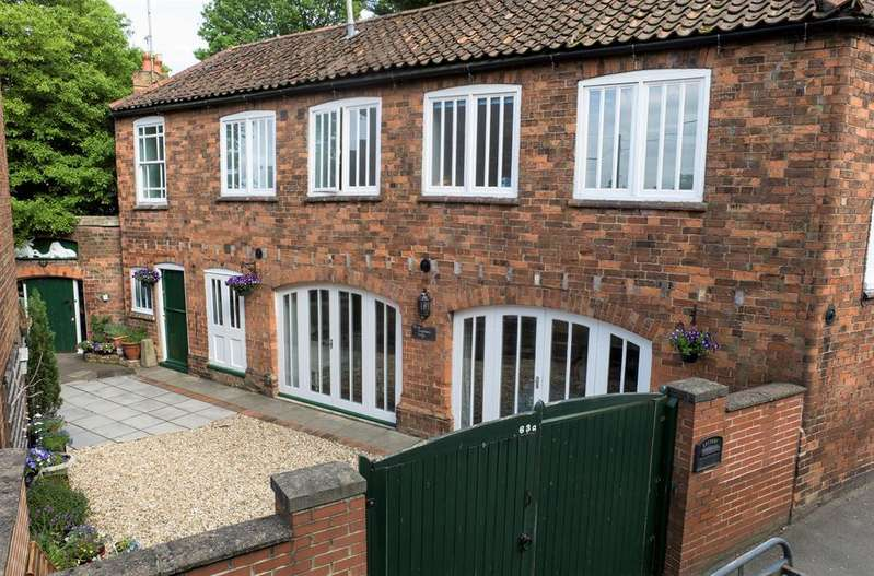 3 Bedrooms Detached House for sale in Church Street, Louth, LN11 9BZ