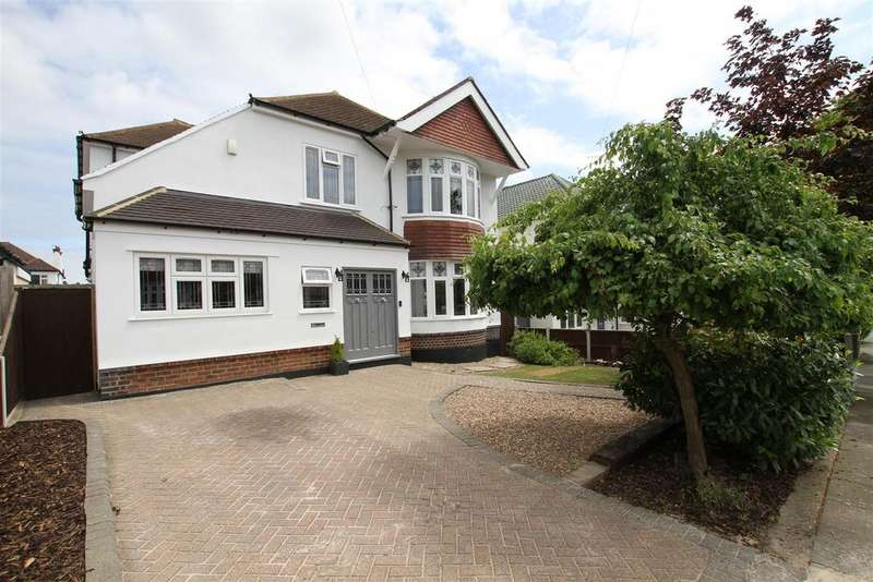 4 Bedrooms Detached House for sale in Berkeley Gardens, Leigh-On-Sea