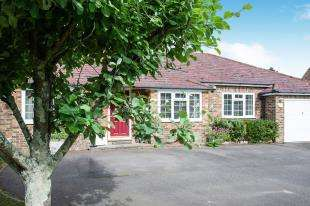 3 Bedrooms Bungalow for sale in Cowbeech, Hailsham, East Sussex, United Kingdom