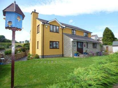 4 Bedrooms Detached House for sale in Lon Ganol, Llandegfan, Menai Bridge, Anglesey, LL59