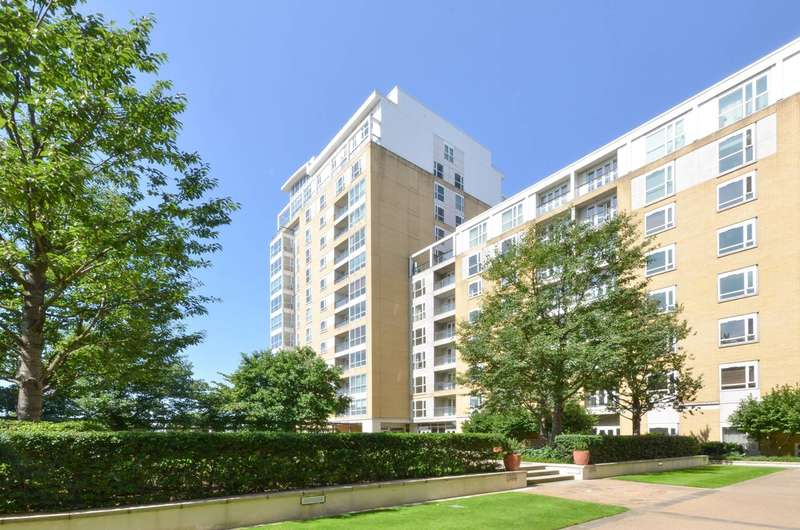2 Bedrooms Flat for rent in Belgrave Court, Canary Wharf, E14