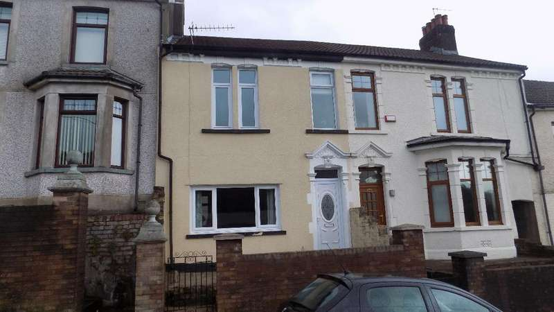 3 Bedrooms Terraced House for sale in Richmond Road, Sixbells. Abertillery. NP132PG
