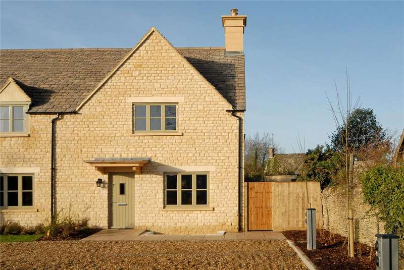 3 Bedrooms Semi Detached House for sale in Fosse Way, Stow On The Wold, Gloucestershire, GL54