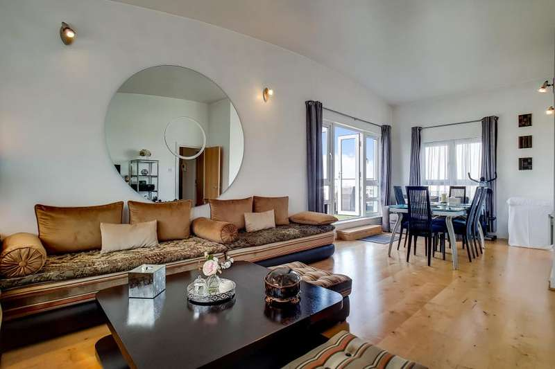 2 Bedrooms Apartment Flat for sale in St Davids Square, Isle of Dogs, E14