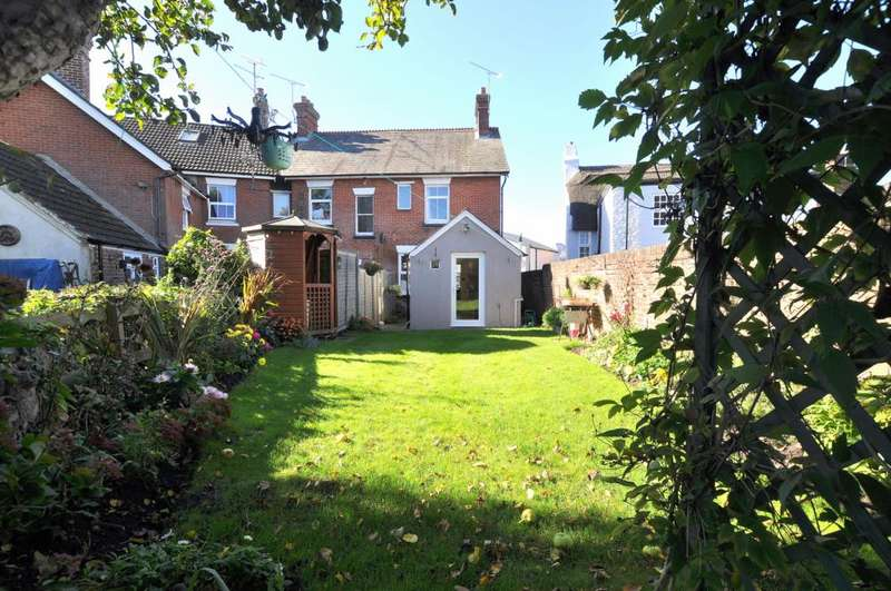 2 Bedrooms Semi Detached House for sale in Ringwood, BH24 1DH