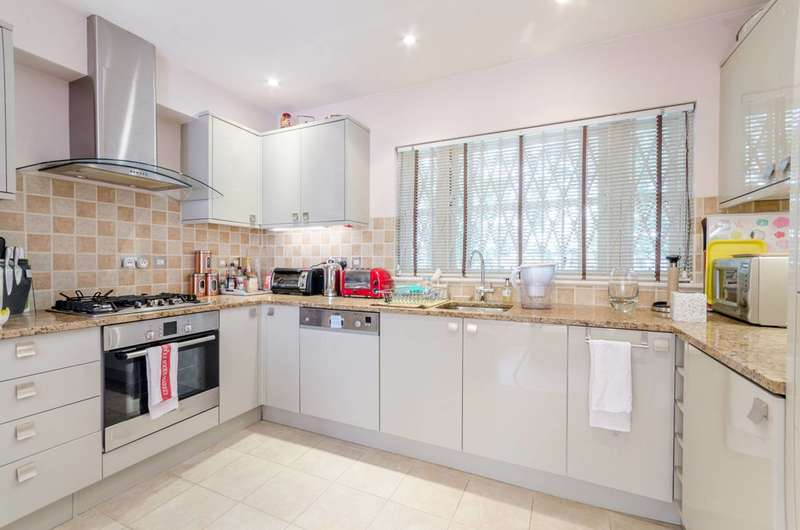 3 Bedrooms House for sale in Harwood Mews, Fulham Broadway, SW6