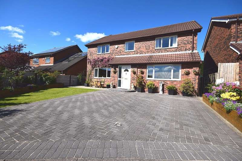 5 Bedrooms Detached House for sale in Allesley Close, Westhoughton BL5