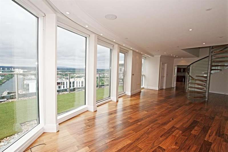 4 Bedrooms Apartment Flat for sale in The Heart, Media City Uk, Salford Quays