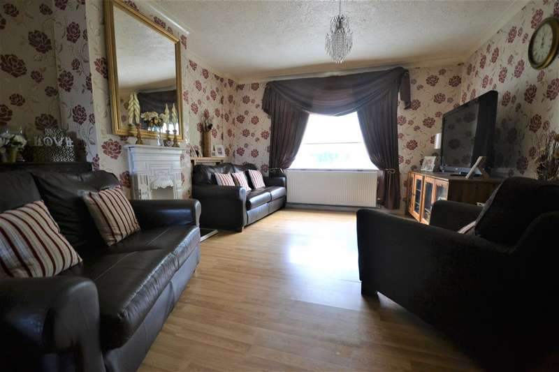 3 Bedrooms Semi Detached House for sale in Lytton Road, Chadwell St.Mary