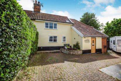 4 Bedrooms Semi Detached House for sale in Stowmarket, Suffolk
