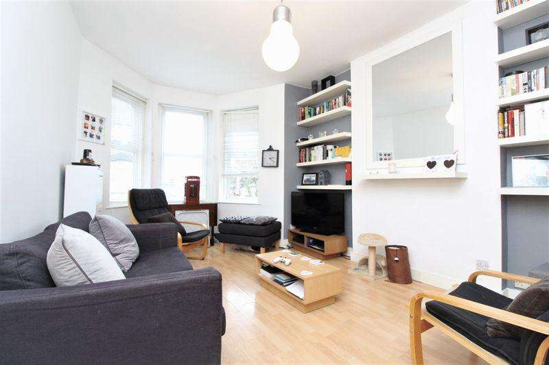 2 Bedrooms Apartment Flat for sale in Carlingford Road, Turnpike Lane, N15
