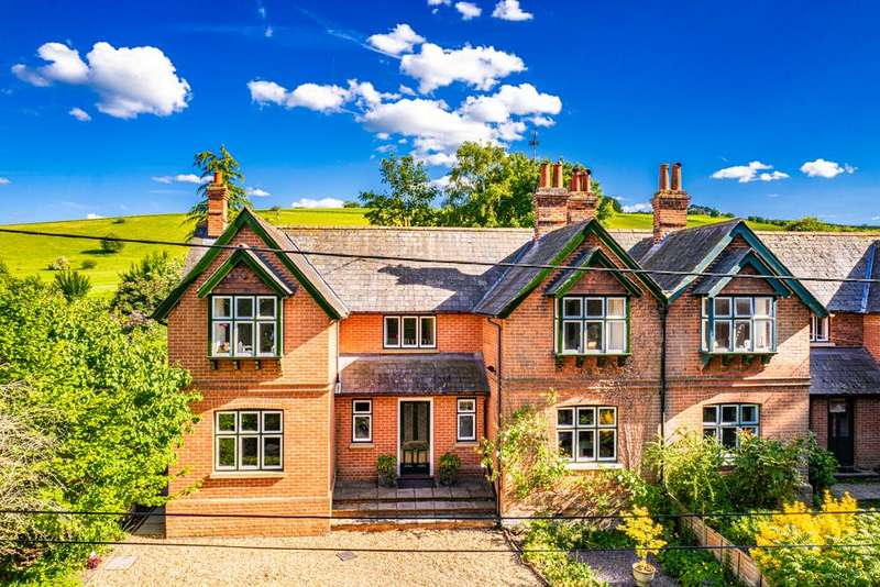 4 Bedrooms Semi Detached House for sale in 3 Warren Farm Cottages, Streatley on Thames, RG8