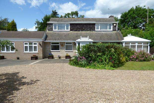 4 Bedrooms Detached House for sale in Witham Road, Woodhall Spa, LN10
